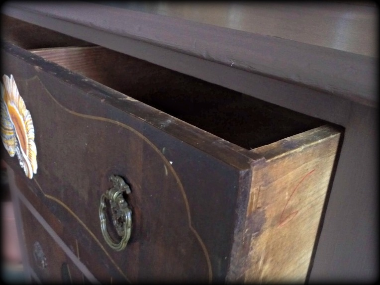 dove tailed drawer detail
