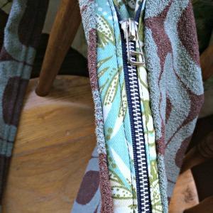 A bag zip s