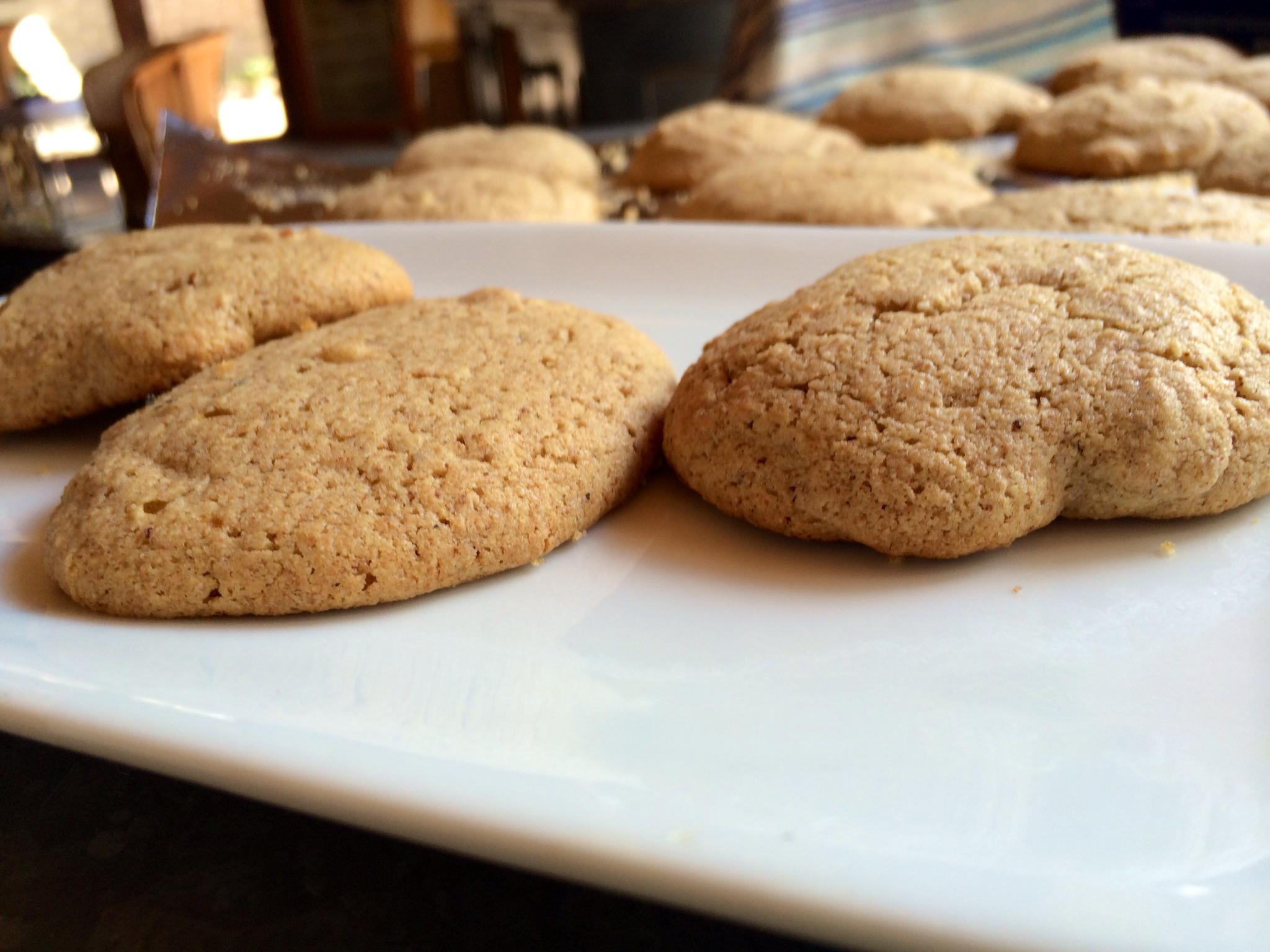 almond-butter-cookies.jpg